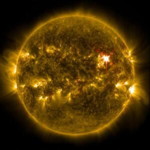 eruption solaire 300x300 La Lumière descend sur ce monde